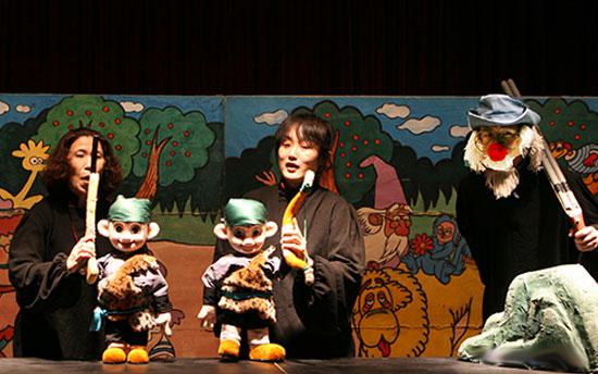中国木偶剧院童话剧《两个小猎人》《蜗牛刷牙》《一