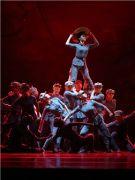 泱泱国风舞动经典:北京舞蹈学院舞蹈诗《长征—向80年前的壮举深深鞠躬》